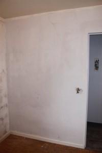 Mur après application de l'enduit de lissage