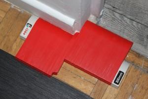 Découper les lames en suivant le relief de la pièce