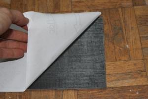 Décoller le papier de protection