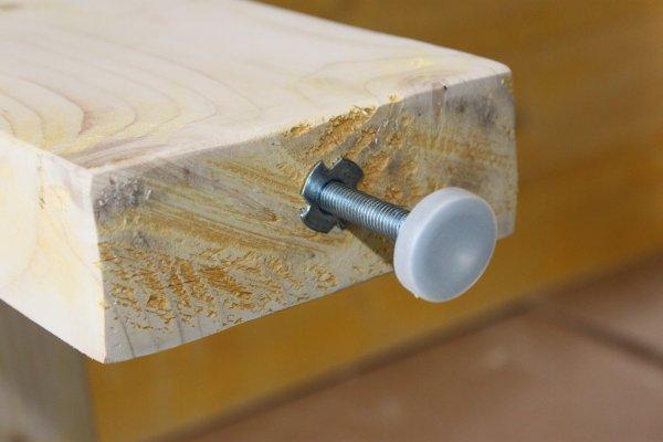 installer le pied r glable la bonne hauteur zonetravaux bricolage d coration outillage. Black Bedroom Furniture Sets. Home Design Ideas