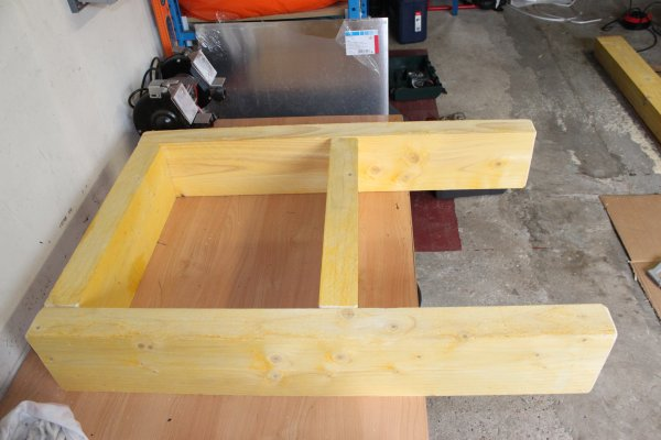 bricolage diy fabriquer son tabli en bastaing tape 1 les pieds. Black Bedroom Furniture Sets. Home Design Ideas