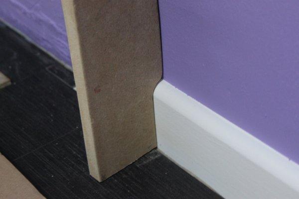 d coupe de la planche et test sur la plinthe zonetravaux bricolage d coration outillage. Black Bedroom Furniture Sets. Home Design Ideas