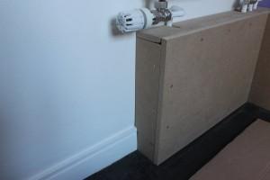 Alignement de la planche avec le mur et passage de la plinthe