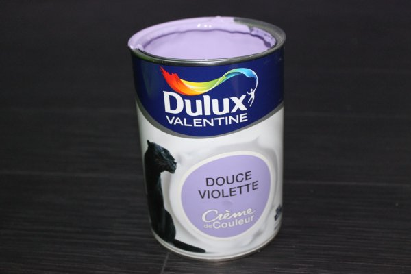 test dulux valentine cr me de couleur. Black Bedroom Furniture Sets. Home Design Ideas