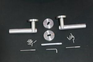 Détail complet du kit de remplacement de poignées de porte