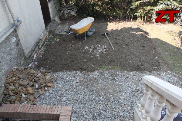 Terrasse - Ajout de gravas pour niveler