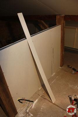 brico monter une cloison en placo pl tre. Black Bedroom Furniture Sets. Home Design Ideas