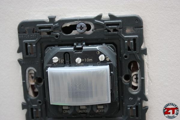 Test l 39 interrupteur automatique legrand for Detecteur de presence pour eclairage interieur