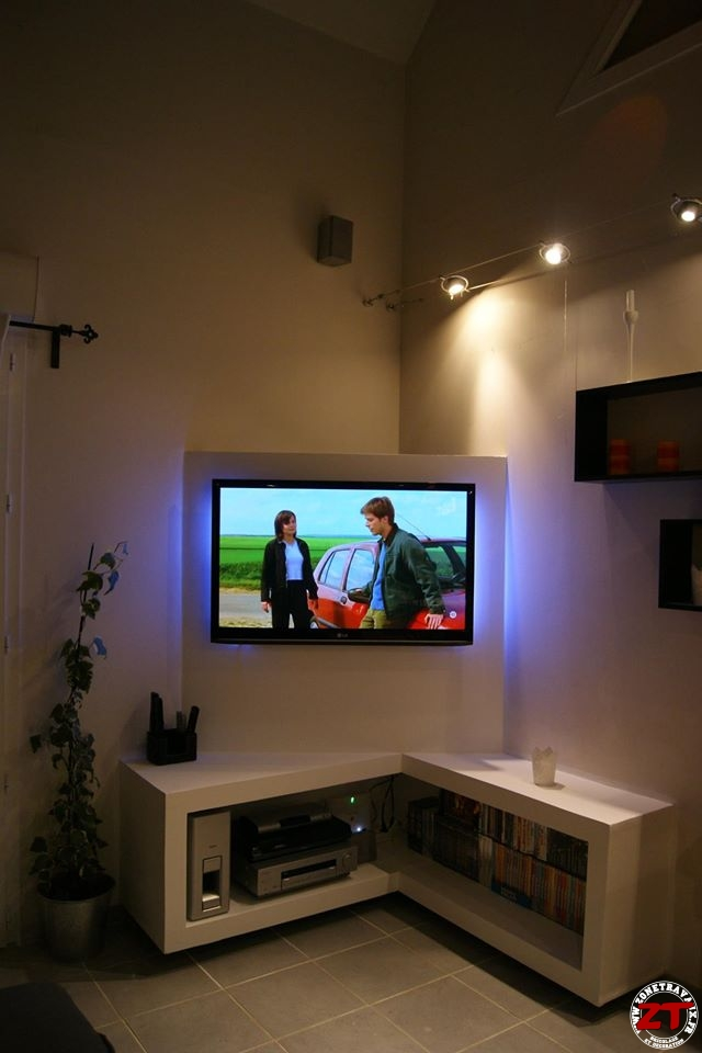 Tuto cr ation d 39 un meuble tv en placo - Comment cacher fils derriere meuble tv ...