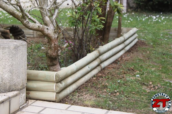 Tuto installer des bordures de jardin for Bordure en bois de jardin