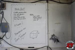 Installer tableau blanc Velleda (10)