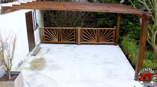 pergola dossier 6 installer une balustrade. Black Bedroom Furniture Sets. Home Design Ideas
