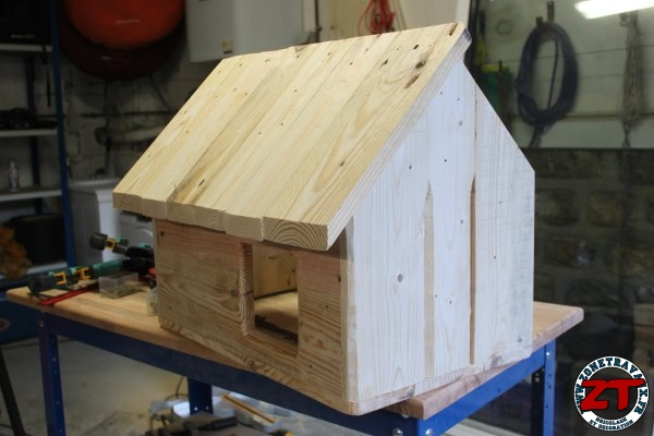 cabane niche abris chat 35 zonetravaux bricolage. Black Bedroom Furniture Sets. Home Design Ideas