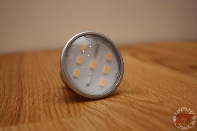 consommation ampoules led 24 zonetravaux bricolage. Black Bedroom Furniture Sets. Home Design Ideas