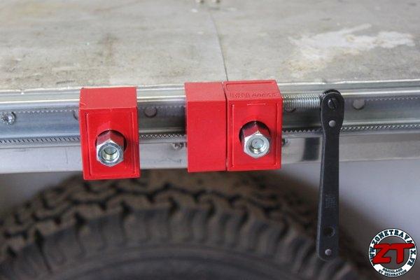 EEEKit Poche lat/érale pour si/ège de Voiture Organisateur lat/éral Car Gap Filler avec bo/îte /à Monnaie et Ports de Chargement USB Doubles