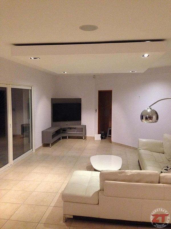 Brico cr ation d un faux plafond avec ruban led et spots for Plafond en platre chambre a coucher