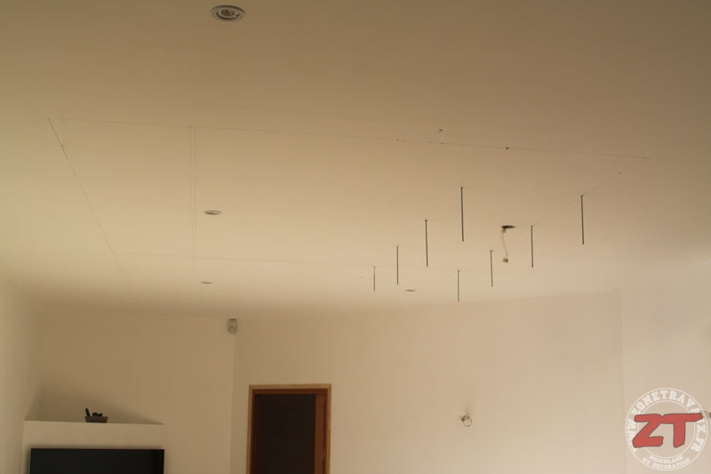 Brico cr ation d un faux plafond avec ruban led et spots for Placer faux plafond