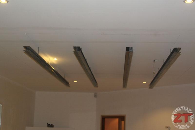 Brico cr ation d un faux plafond avec ruban led et spots for Ba13 pour plafond