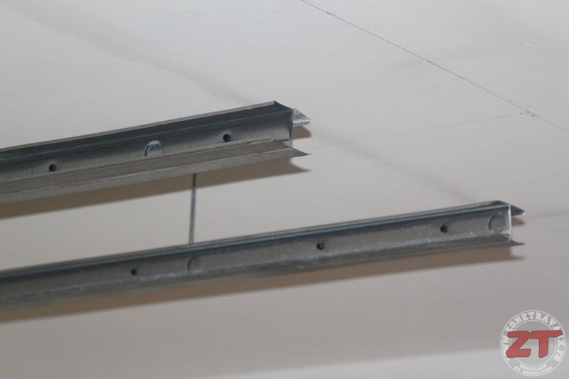 Brico cr ation d un faux plafond avec ruban led et spots for Pose dalle plafond