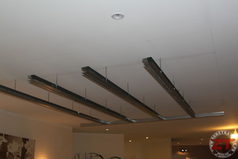 Brico cr ation d un faux plafond avec ruban led et spots for Fixation faux plafond suspendu