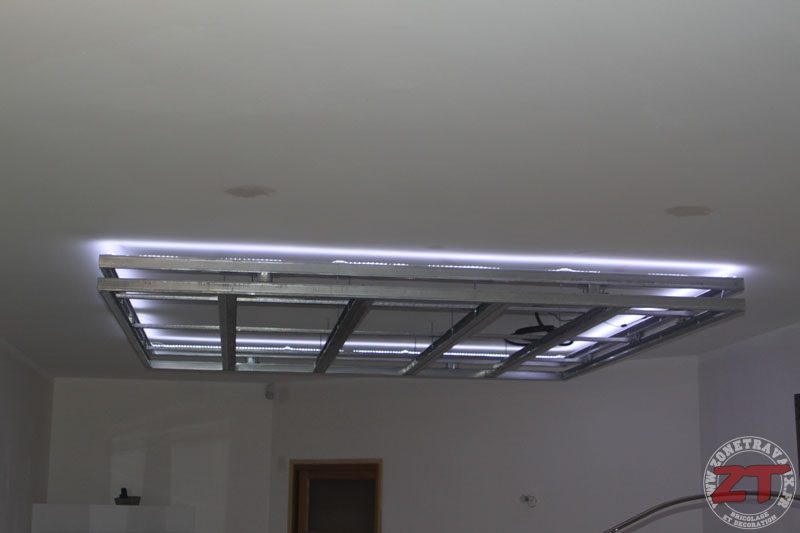 brico cr ation d un faux plafond avec ruban led et spots