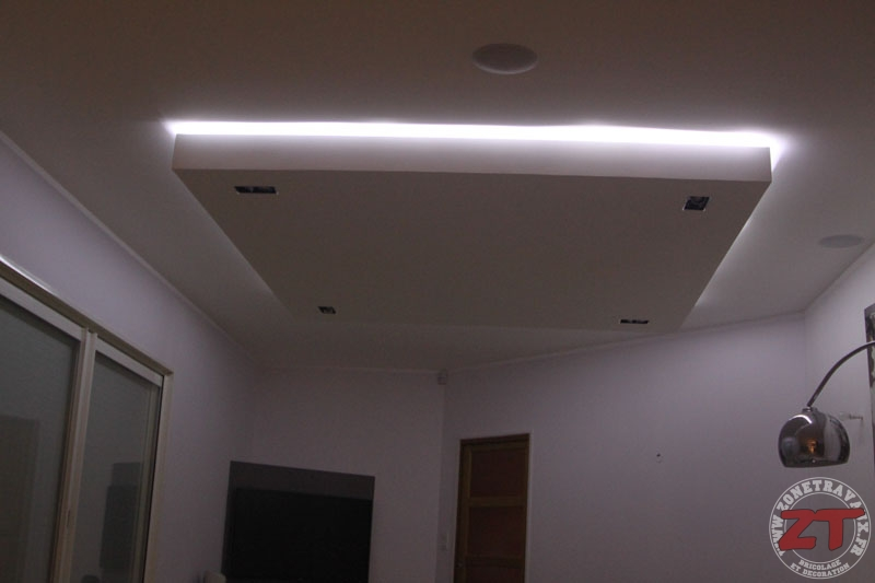 Faux plafond spot led 57 zonetravaux bricolage for Installer ruban led plafond