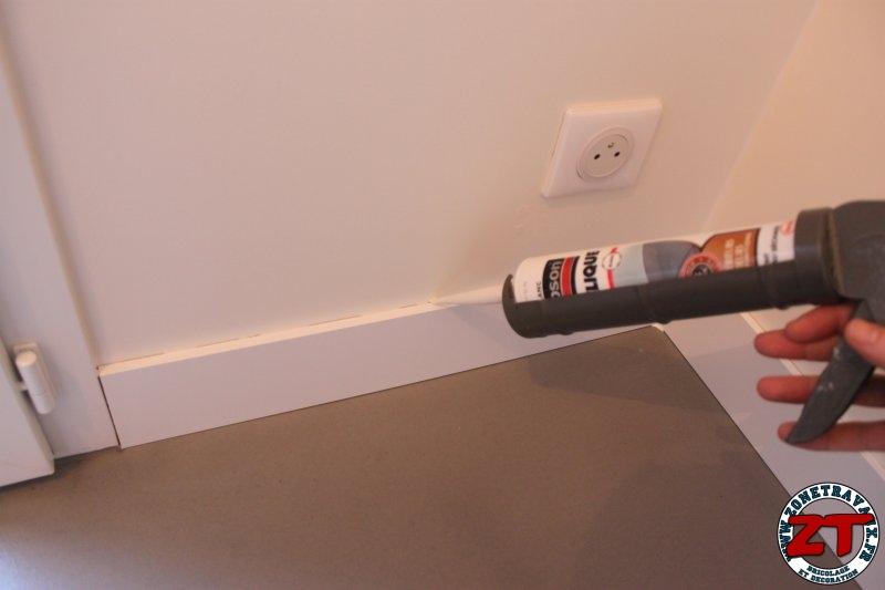 tutoriel en photos comment poser des plinthes sur un mur. Black Bedroom Furniture Sets. Home Design Ideas