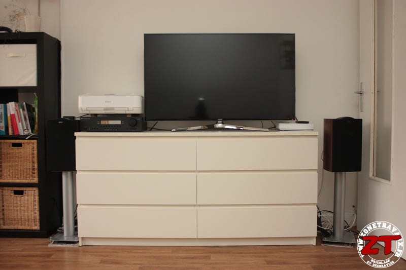 ikea hack meuble tv zonetravaux bricolage d coration outillage jardinage. Black Bedroom Furniture Sets. Home Design Ideas