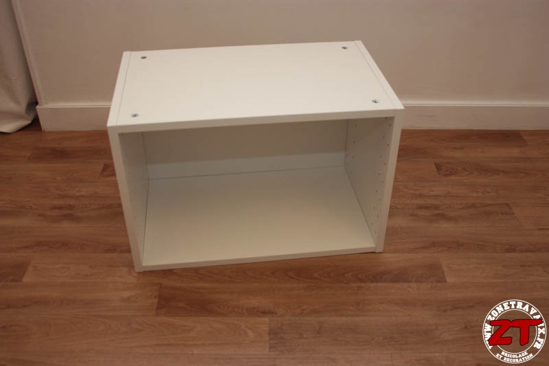 ikea hack meuble tv 25 zonetravaux bricolage. Black Bedroom Furniture Sets. Home Design Ideas